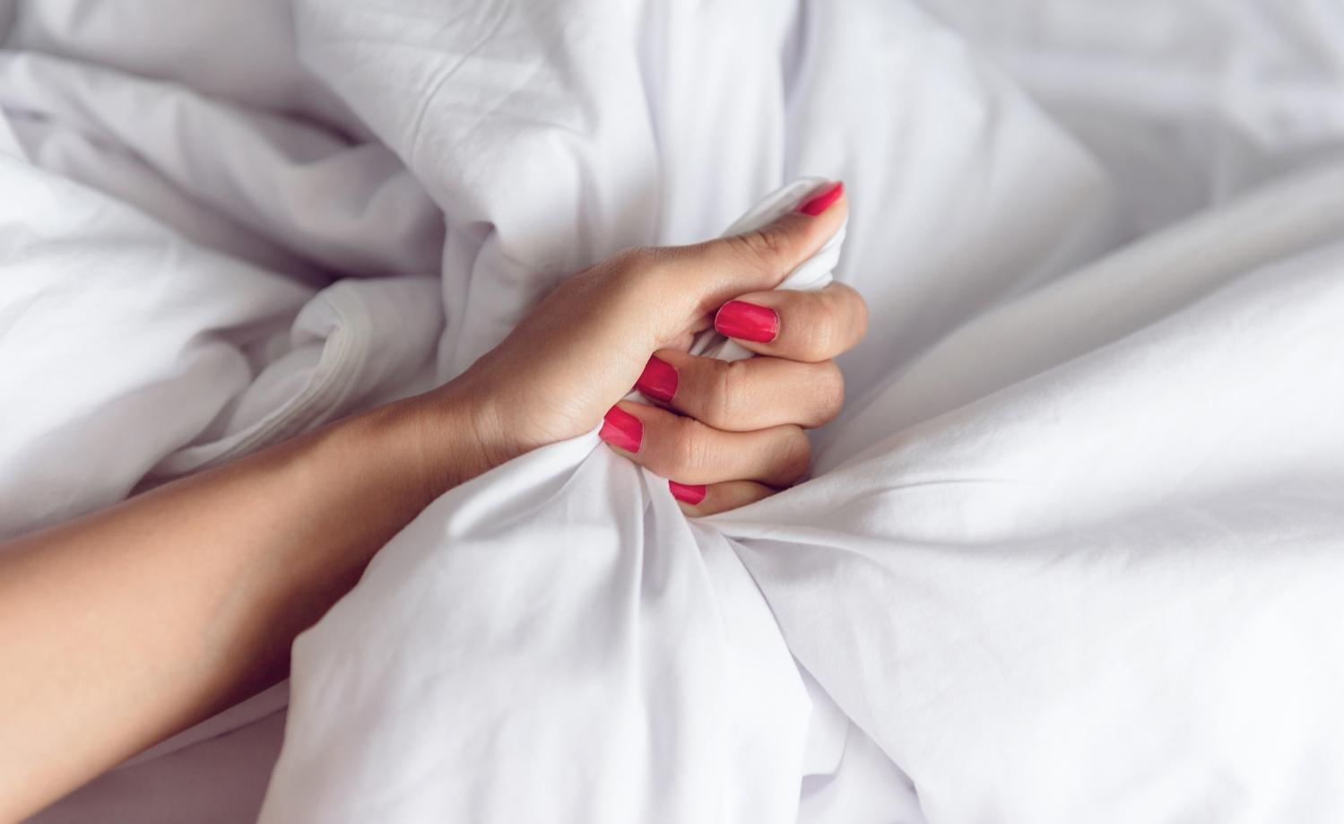 Ženský orgasmus zvyšuje šance k otěhotnění pomocí stahů dělohy, která tímto způsobem vtahuje spermie až do děložního hrdla